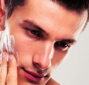 Moisturize skin for blackheads